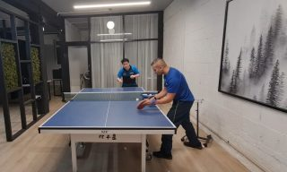 Exercise of the day 🏓 : Forehand Flick and follow up with a forehand topspin from the middle  This exercise is super useful to work on quick stepping in and out of the table and how to follow up with a positive topspin attack.   Later timing on the flick and follow up with an earlier timing for the forehand topsin. 🔥🔥🔥  Thank you @_ebatt for making this video possible  #tabletennis #exerciseoftheday #forehand #flick #topspin #tabletenniscoaching #tabletennistraining #spintowin #boom